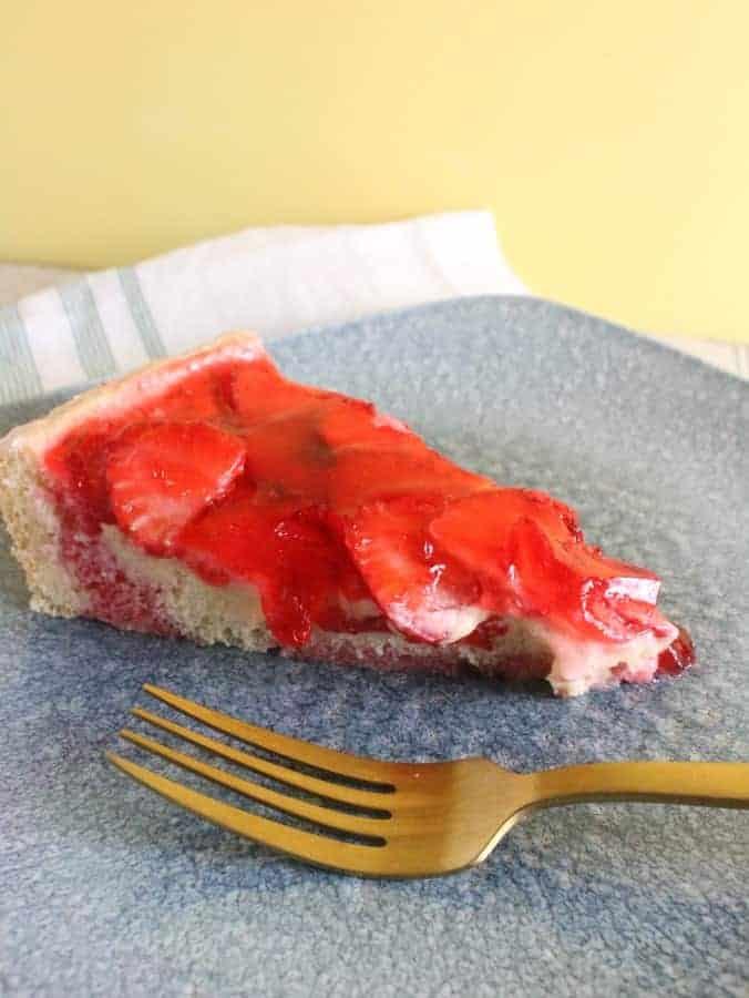 Vanilla Sponge Cake with Sweet Vanilla Custard Cream and Topped with Fresh Strawberries and Strawberry Gelatin!
