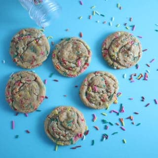 LoveSprinkles and Cake Batter flavored anything? Make these chewy, buttery, and full of vanilla and sprinkles Rainbow Sprinkles Cookies!