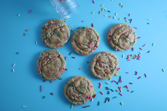 Love Sprinkles and Cake Batter flavored anything?  Make these chewy, buttery, and full of vanilla and sprinkles Rainbow Sprinkles Cookies!