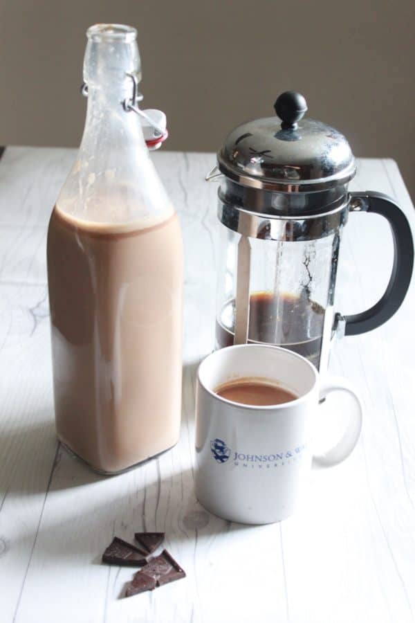 Heath Bar Coffee Creamer Recipe, an easy coffee creamer to make and you know exactly what is inside of it! Milk Chocolate, Vanilla Bean, Caramelized Sugar..